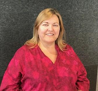 Dorothy Sutherland Olsen, forsker ved NIFU, mener at eldre arbeidstakere er tøffere til å prioritere hva de synes er nyttig og ikke i jobben. (Foto: Siw Ellen Jakobsen)