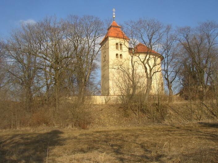 St.Peter-kirken i Budeči Tsjekkia i dag. Kirken står oppå åsen hvor festningen lå. (Foto: Miaow Miaow/Offentlig eiendom)