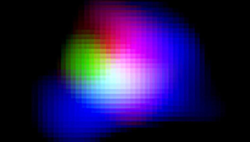 Det grønne feltet er det urgamle oksygenet i den fjerne galaksen SXDF-NB1006-2. Lyset forlot denne galaksen for 12,9 milliarder år siden, bare 750 millioner år etter at universet oppstod i det store smellet. Oksygenet ble laget inne i unge, blåfiolette kjempestjerner i galaksen. Det blå og røde lyset i bildet er elektrisk ladet hydrogen som gløder i heten fra stjernene. (Bilde: ALMA (ESO/NAOJ/NRAO), NAOJ)