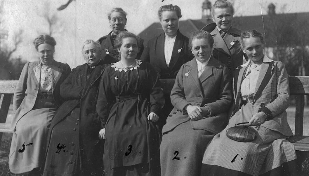 Bilde er tatt på den årlige misjonskonferansen Nyborgmøte, Hotel Nyborg Strand, Danmark i 1919. Bodil Biørn står bak til høyre. (Bildeutlån: Riksarkivet)