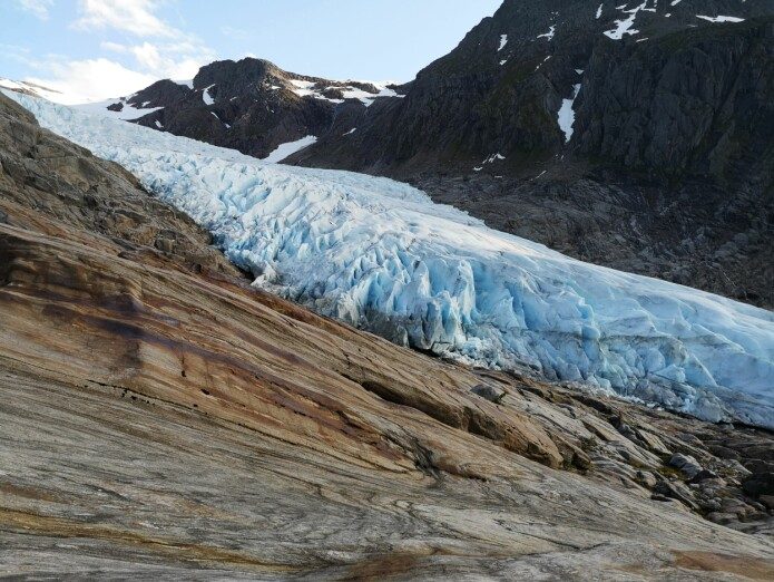 Close-up of the glacier. (Photo: Sophia Laporte)