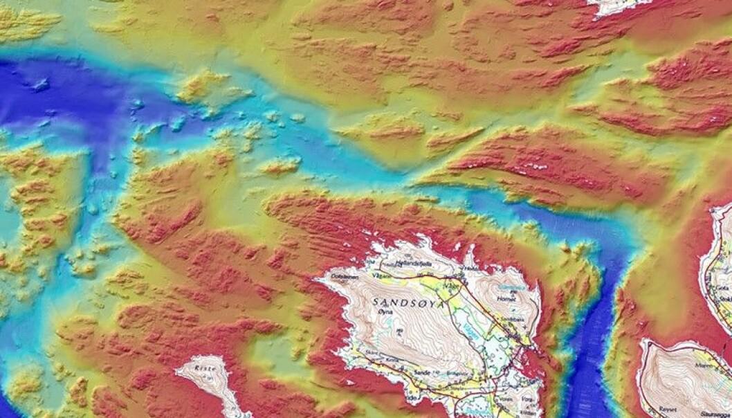 Fire kommunar på Søre Sunnmøre har no heildekkande og høgoppløyselege kart over kva havbotnen er laga av. (Kart: NGU/Kartverket)