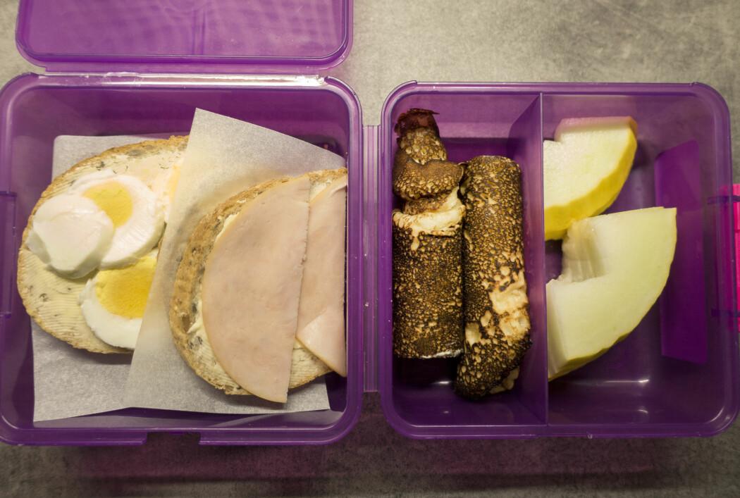 Matboks med brødskive med egg, skinke, pannekaker og melon på skole. (Foto: Gorm Kallestad / NTB scanpix)