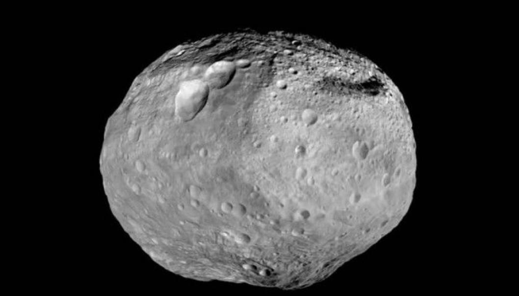 Asteroiden «4 Vesta» er for liten til å være helt rund. (Foto: NASA/JPL-Caltech/UCAL/MPS/DLR/IDA)