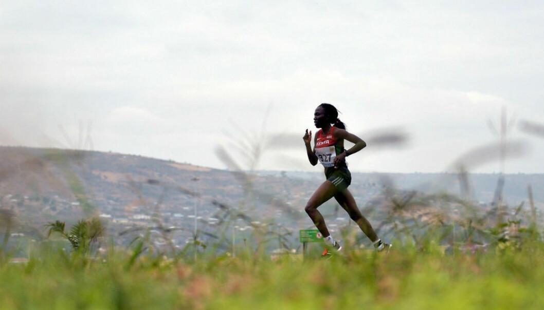 En toppidrettsutøver løper gjerne mellom 120 til 260 kilometer i uka. Kan hverdagsmosjonister lære noe av dette? (Foto: Monirul Bhuiyan/AFP Photo/NTB Scanpix)