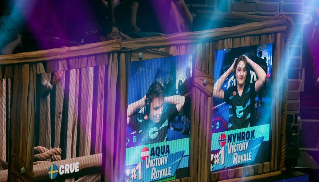 Dataspillet Fortnite er populært også på YouTube. Mange liker å se på andre spille. Nylig vant norske Emil «Nyhrox» Bergquist Pedersen Fortnite-VM – mens en hel verden fulgte med. (Foto: Johannes Eisele/AFP/NTB scanpix)