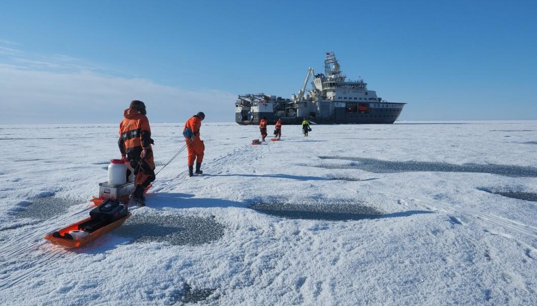 Forskningsskipet Kronprins Haakon har den siste uken vært til reparasjon etter å ha blitt skadd i Polhavet forrige uke. (Foto: Norsk Polarinstitutt / Ann Kristin Balto / NTB scanpix)