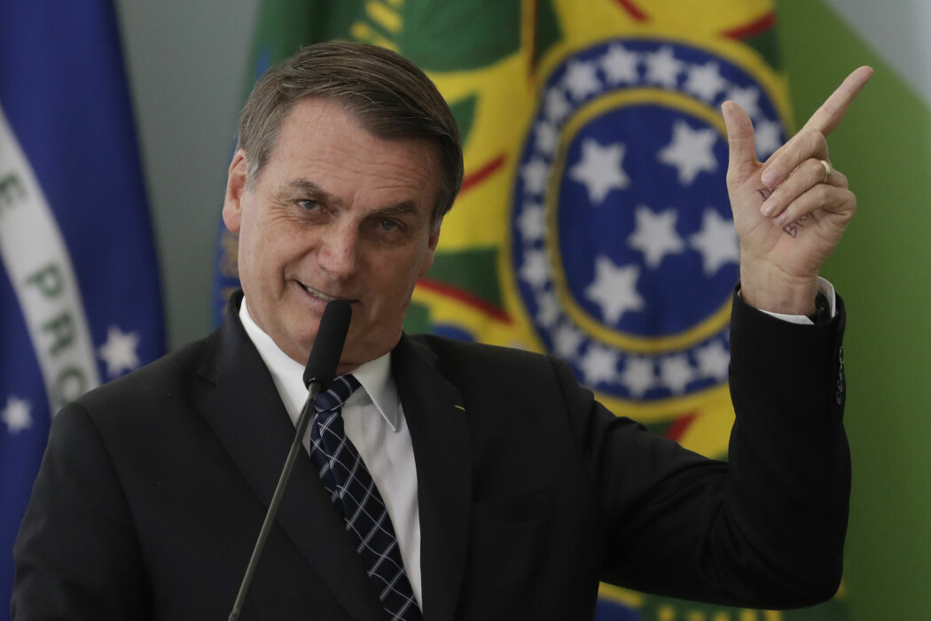 Brasils president Jair Bolsonaro anklaget landets eget romforskningsinstitutt for å ha manipulert tall som viser en kraftig økning i avskogingen i Amazonas. (Foto: Eraldo Peres / AP Photo / NTB Scanpix)
