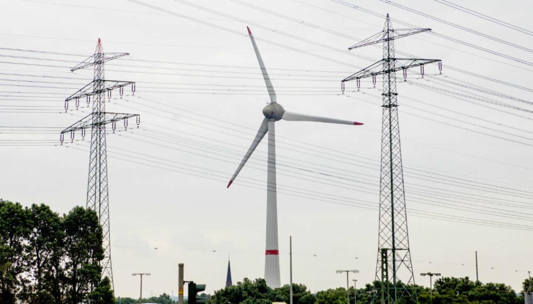 Vindkraft og sol har forkjørsrett i det tyske strømnettet. I Norge er den grønne veksten laber, konkluderer BI-forsker i fersk studie. (Foto: Jan-Morten Bjørnbakk/NTB scanpix.)