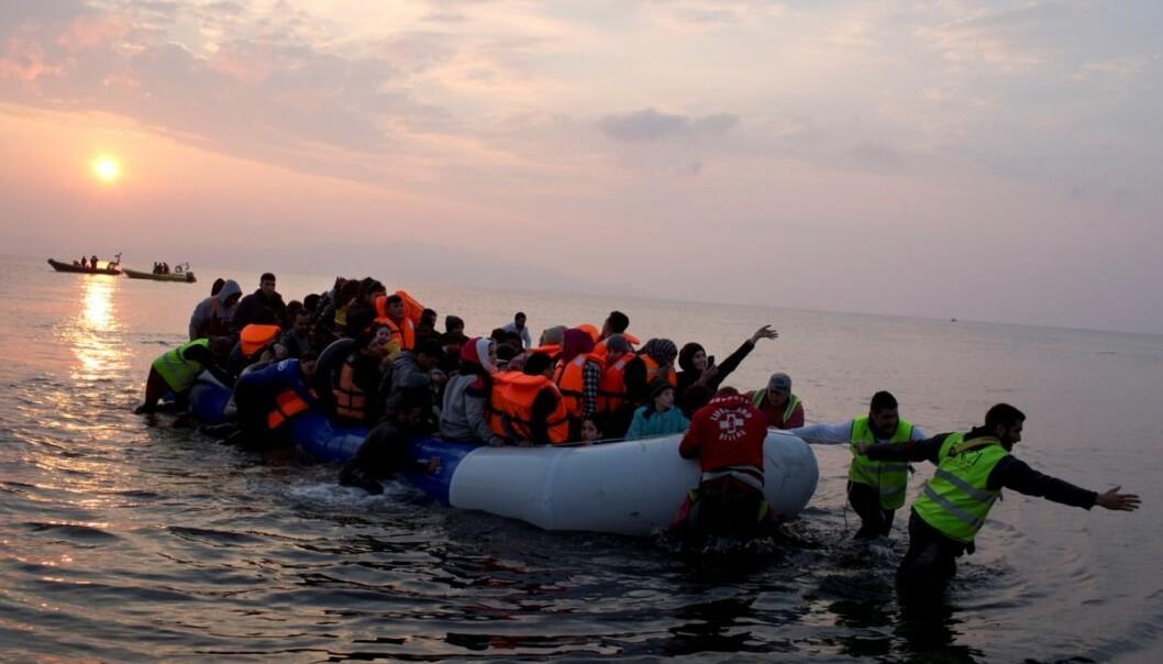 Minst 2500 flyktninger og migranter har mistet livet i forsøk på å ta seg over Middelhavet til Europa i år.  (Foto: (AP Photo/Petros Giannakouris)