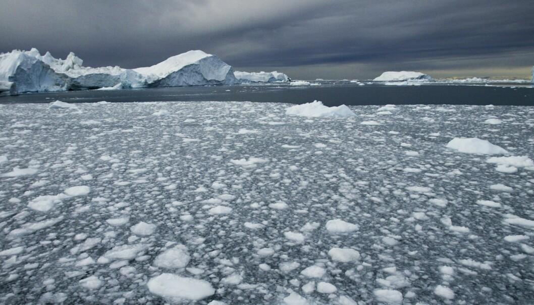 Biter av is i sjøen utenfor kysten av Grønland. (Illustrasjonsfoto: Jan-Morten Bjørnbakk / NTB scanpix)