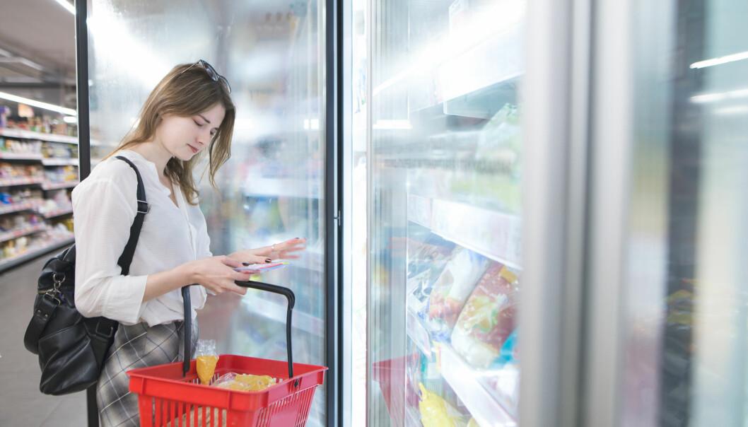 Eksperter må legge forbrukernes egne erfaringer og oppfatninger av matrisiko til grunn når de skal gi råd, mener forsker. (Illustrasjonsfoto: Bodnar Taras / Shutterstock / NTB scanpix)