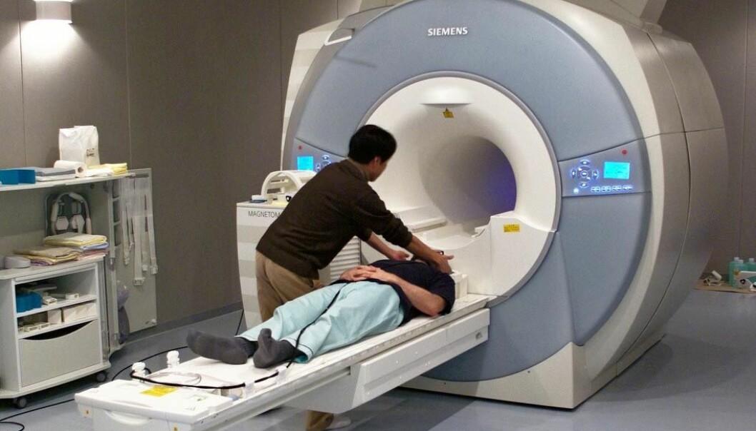 Mange vitenskapelige eksperimenter bruker en fMRI-maskin for å se hva som foregår inne i hodet.  (Foto: Janne Moren)
