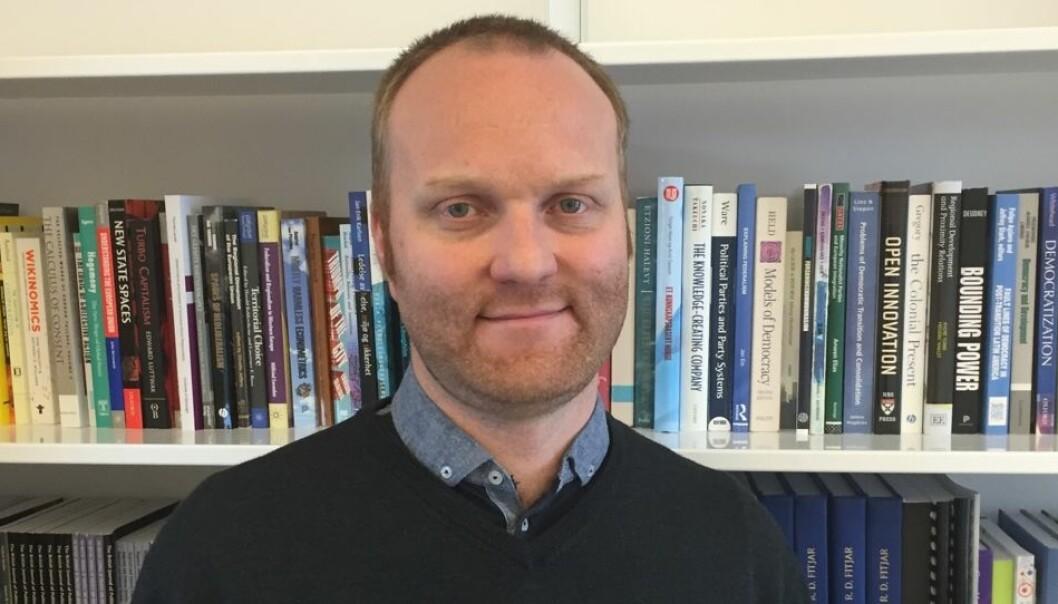 Innovasjonsforsker Rune Dahl Fitjar forteller at Stavanger-regionen verken har gode eller dårlige forutsetninger for å omstille seg fra et oljesmurt samfunn til nye næringer. (Foto: Siw Ellen Jakobsen, forskning.no)