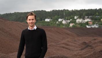 Bjørn Hallvard Knappskog og Arbaflame gjør dampbehandlede trepellets om til kullerstatning. (Foto: Arbaflame)