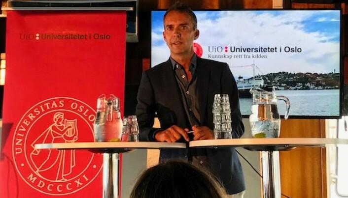 Arbeiderpartiets medierådgiver Jarle Roheim Håkonsen mener at vi ofte undervurderer velgerne. Han er enig i forskernes konklusjon om at folk er opptatt av innholdet i politikken, ikke bare personene. (Foto: Siw Ellen Jakobsen)