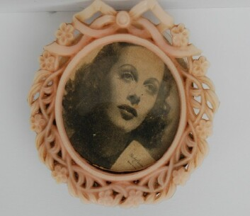Jentene hadde amerikanske filmstjerner som feminine forbilder, som Hady Lamarr, en kjent skuespiller i mellomkrigstiden. (Foto: privat)