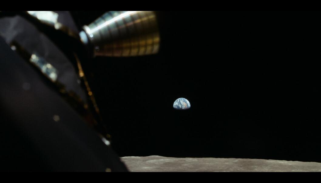 Astronautene hadde mildt sagt en spektakulær utsikt fra der de sto. (Foto: Copyright © 2019 Moon Collectors LLC)