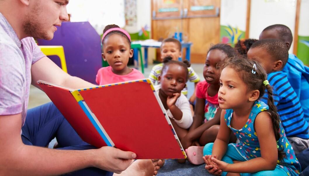 Intensiv språkstimulering av minoritetsspråklige 5-åringer virker positivt på barnas språkforståelse, ifølge ny studie.  (Foto: Colourbox)