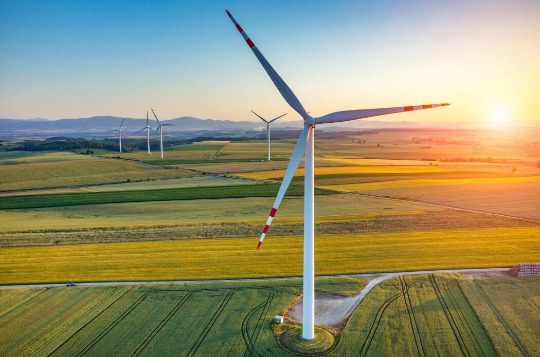 Europa har rikelig med plass til å bygge millioner av vindmøller på land. (Foto: Stockr / Shutterstock / NTB scanpix)
