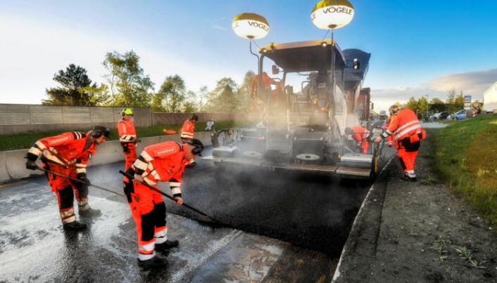 Forsker på grønnere asfalt