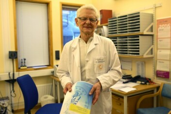 Professor ved UiT Norges arktiske universitet og overlege Roald Bolle mener flere burde valgt allergivaksinering som behandling. (Foto: Inger Elin Utsi)