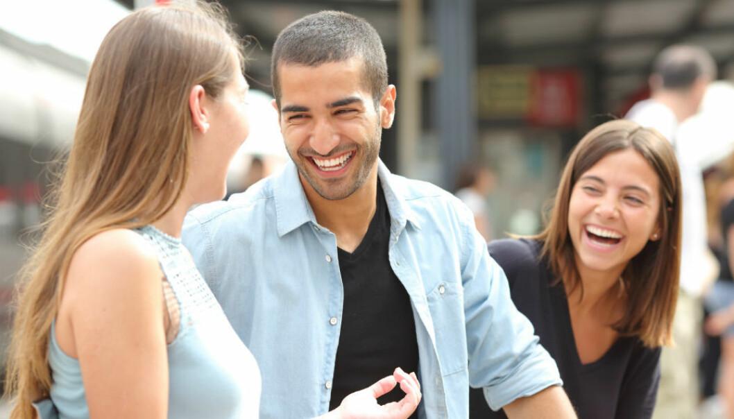 Smil smitter fordi det gjør det lettere å sette seg inn i andres følelser. (Illustrasjonsfoto: Antonio Guillem/Shutterstock/NTB scanpix)