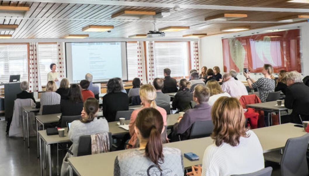 Instituttleder Rita Hvistendahl ønsket velkommen til lanseringsseminar i Niels Henrik Abels hus på Blindern.  (Foto: ILS)