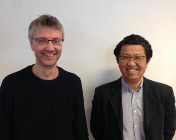 Alf Egil Jensen og Litian Wang har samarbeidet tett i jakten på materialer som gir bedre støydemping i hurtigbåter. (Foto: Fireco)