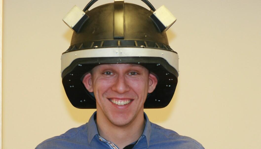 Prototypen av hjelmen kan minne om hjelmen på heltene i Star Wars. (Foto: SINTEF)