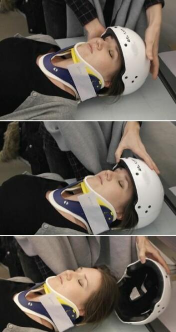 Inne i hjelmen er det en elastisk membran som gir et jevnt trykk mot hele hodebunnen. Når man skaper et undertrykk inne i hjelmen, vil membranen blåses opp så den kan plasseres på pasientens hode. Deretter frigjøres kontaktskapende elektrode-gel automatisk slik at elektrisk kontakt er på plass og målinger kan startes i løpet av ett minutt. (Foto: Smartbrain)