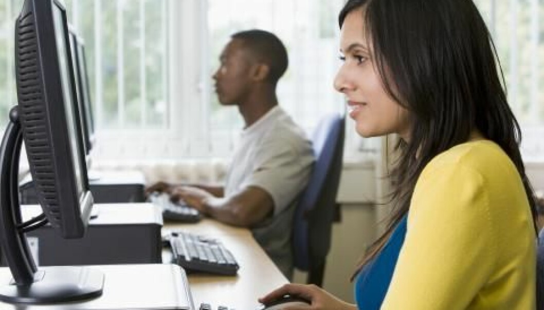Even though fewer women choose to study ICT, the life of a modern young women in Norway would not be possible without computers (Illustration photo: Colourbox)