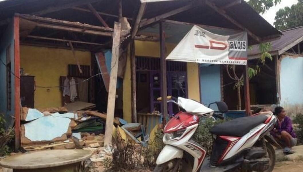 Jordskjelv-apper bruker sensorer i mobilen for å registrere rystelser og sende dem inn til seismologier. Appen LastQuake kan også vedlegge bilder, som dette fra et jordskjelv av styrke 6,5 i Sorong, Indonesia høsten 2015. (Foto: EMSC)