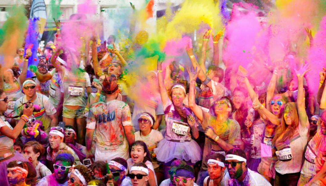 Deltakere fra det såkalte Color run i Romania – en feiring av helse og treningsglede.  (Foto: aaltair/Shutterstock/NTB scanpix.)