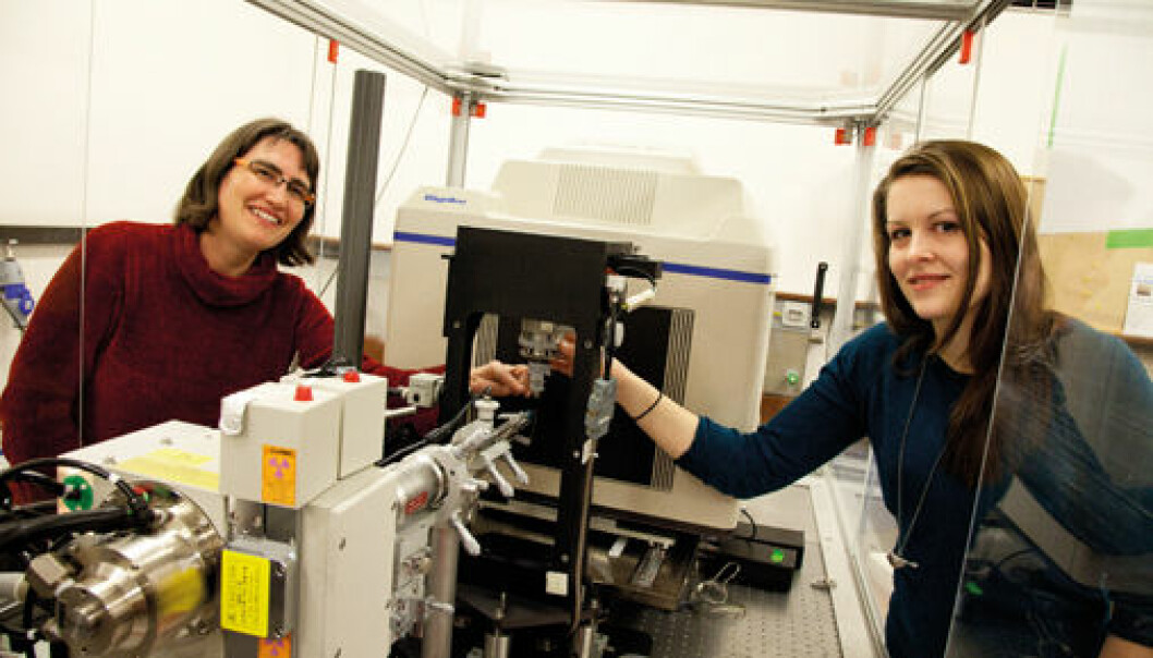 Professor Ute Krengel and PhD Candidate Julie Heggelund use a small x-ray machine at the Department of Chemistry to find the molecular structure of the cholera toxin. (Photo: Yngve Vogt)