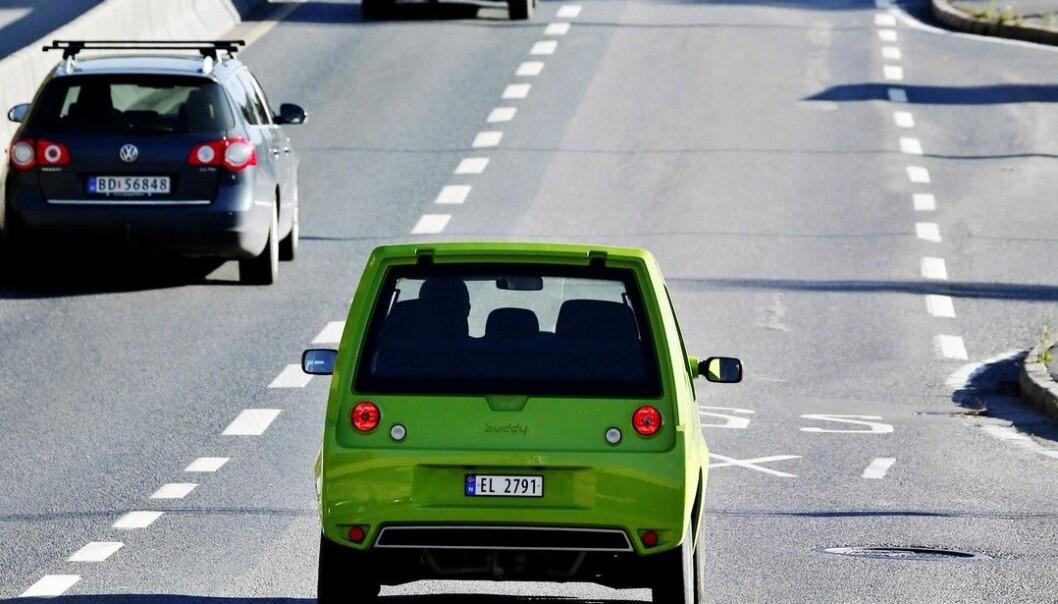 Piggdekk river opp asfalten rundt 20 ganger mer enn hva piggfrie gjør. (Illustrasjonsfoto: Erlend Aas, NTB scanpix)