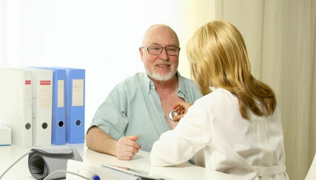 Leger, sykepleiere og fysioterapeuter klarer ikke alltid å få pasientene til å innse alvoret, og etterlyser mer opplæring i hvordan de skal kommunisere. (Illustrasjonsfoto: Colourbox)