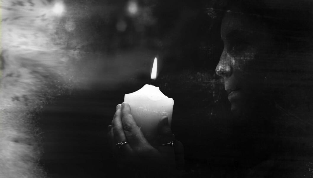 – Spiritismen er mangfoldig og lite dogmatisk, og passer dermed i en  subjektivt orientert kultur, sier religionsviter Anne Kalvig. (Illustrasjonsfoto: Colourbox)