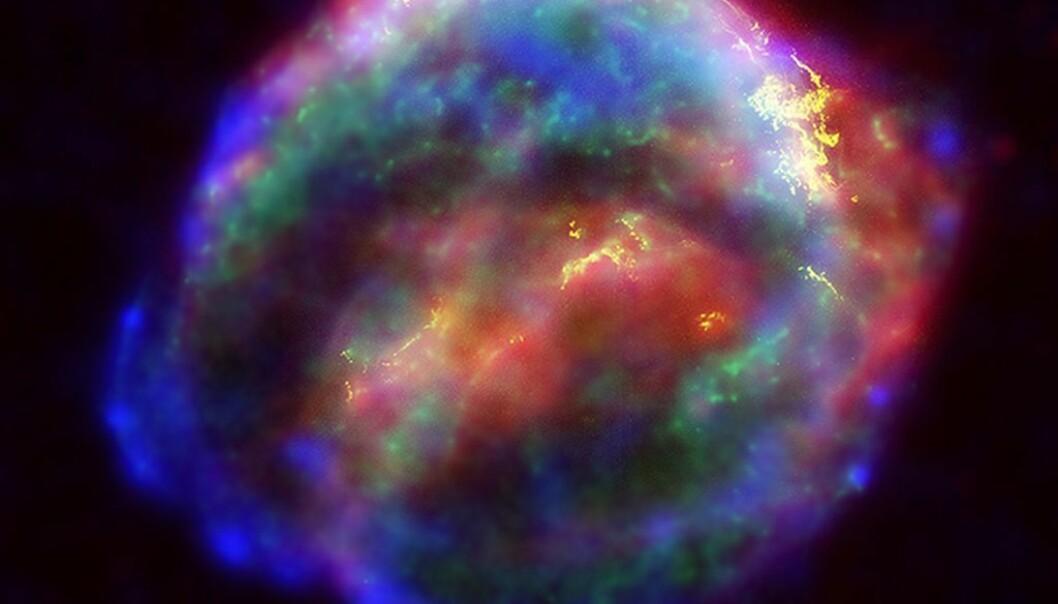 Sammensatt bilde av restene av en supernova.Bildet viser røntgen-stråler, infrarødt og synlig lys av den tidligere kjempestjernen SN1604. Den er rundt 20 000 lysår unna jorden. (Illustrasjonsbilde: HST/NASA/ESA)