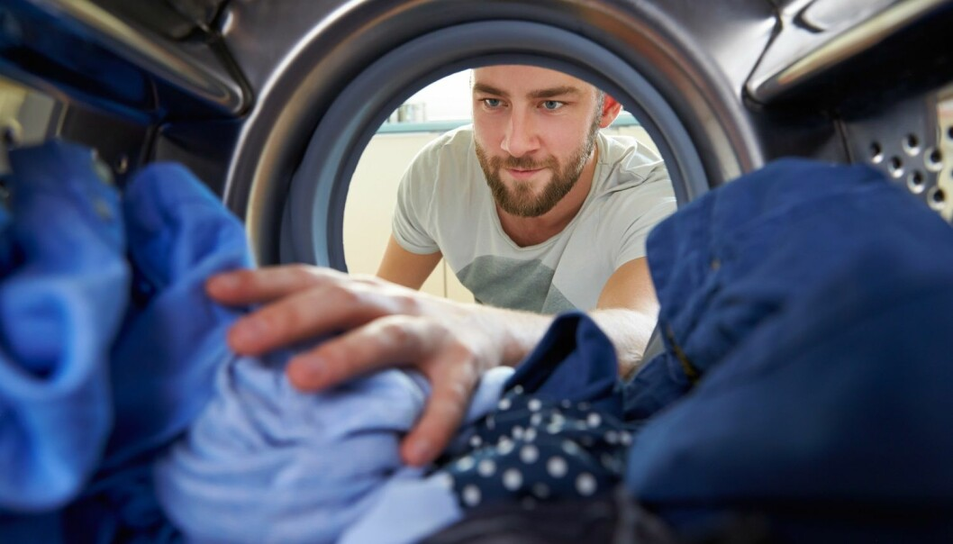 Danske helsemyndigheter anbefaler at du vasker undertøyet ditt på minst 60 grader. Det tåler bomull og viskose selv om vaskeanvisningen på plagget sier 40 grader. (Foto: Shutterstock /NTB Scanpix)