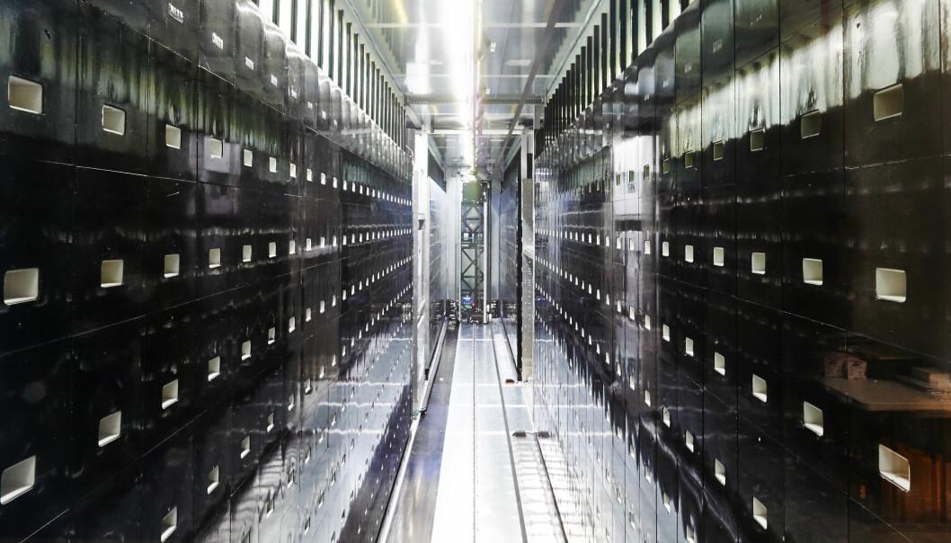 Her lagres blodprøver fra flere enn 5000 engelskmenn som hittil har sagt ja til å delta i 100.000 Genomes Project. (Foto: UK Biocentre)