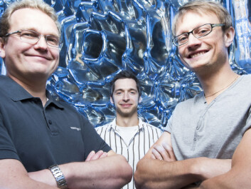 The SINTEF researchers Ib-Rune Johansen (left), Michal Mielnik and Jon Olav Grepstad believe that together they have helped to develop 'the ultimate biosensor – at the cutting edge of nanotechnology'. (Photo: Werner Juvik).