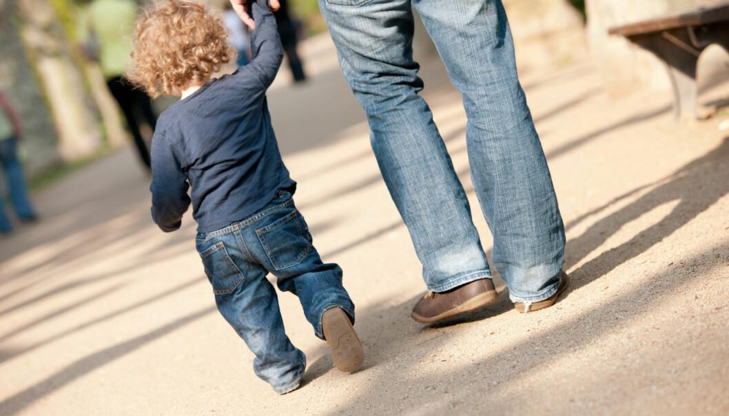Krf vil at pappaer skal være mer hjemme med barna. Derfor vil de utvide kontantstøtten. Men til nå har ordningen vært mest brukt av minoritetsspråklige mødre uten særlig tilknytning til arbeidslivet. Dette gir ikke likestilling, skriver kronikkforfatteren. (Foto: Scanpix)