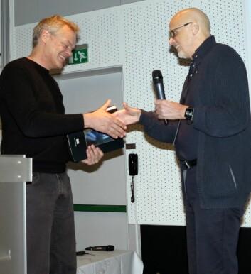 Professor Kennet Hugdahl (til høyre) introduserte nobelprisvinner Edvard Moser på Forskningsrådets konferanse om rus og psykisk helse 2. februar. (Foto: Bjarne Røsjø)