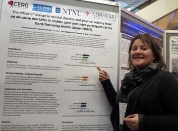 Linda Ernstsen foran posteren som ble kåret til konferansens beste under Forskningsrådets konferanse 2. februar. Både posteren og ikke minst forskningen var meget solid, mente juryen. Foto: Opinion/BR Media