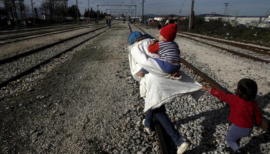 Både urolighetene i hjemlandet, flukten og forholdene i landet de kommer til kan trolig bidra til at flyktninger utvikler psykiske lidelser. (Foto: Alexandros Avramidis/Reuters)