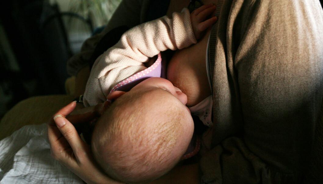 Resultatene i studien tyder på at informasjon om amming som helsestasjonene gir, ikke er godt nok tilpasset ikke-vestlige mødre (Foto: Katie Collings, Pa Photos, NTB scanpix)
