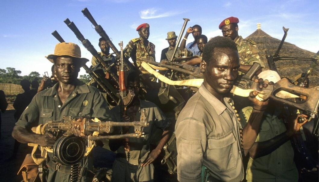 Det foregår mange interessante fredsprosesser i regi av Den afrikanske union, men som ikke nødvendigvis foregår slik FNs fredsbevarende styrker har jobbet. Dette bildet er av opprørere fra Sudan People Liberation Army.  (Foto: Hartmut Schwarzbach, Argus, Samfoto, NTB scanpix)
