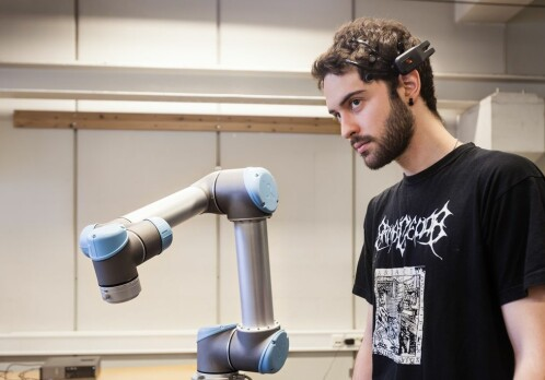 Controlling robots with your thoughts