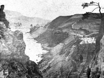 Railway lines were designed to harmonise with the landscape. This photograph, taken circa 1861 roughly 100 km northeast of the capital, shows construction of the Christiania-Kongsvinger line. (Photo: NSB Director C.A. Pihl. Copyright: Norwegian Railway Museum)